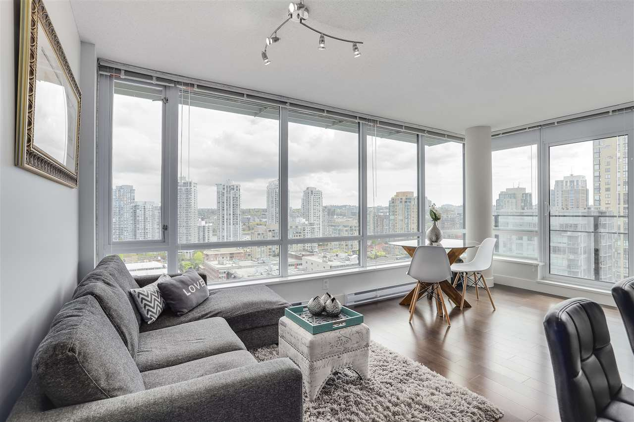 Main Photo: 1701 1088 Richards Street in Vancouver: Yaletown Condo for sale (Vancouver West)