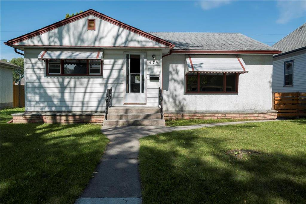 Main Photo:  in Winnipeg: West Kildonan Residential for sale (4D)  : MLS®# 1925473