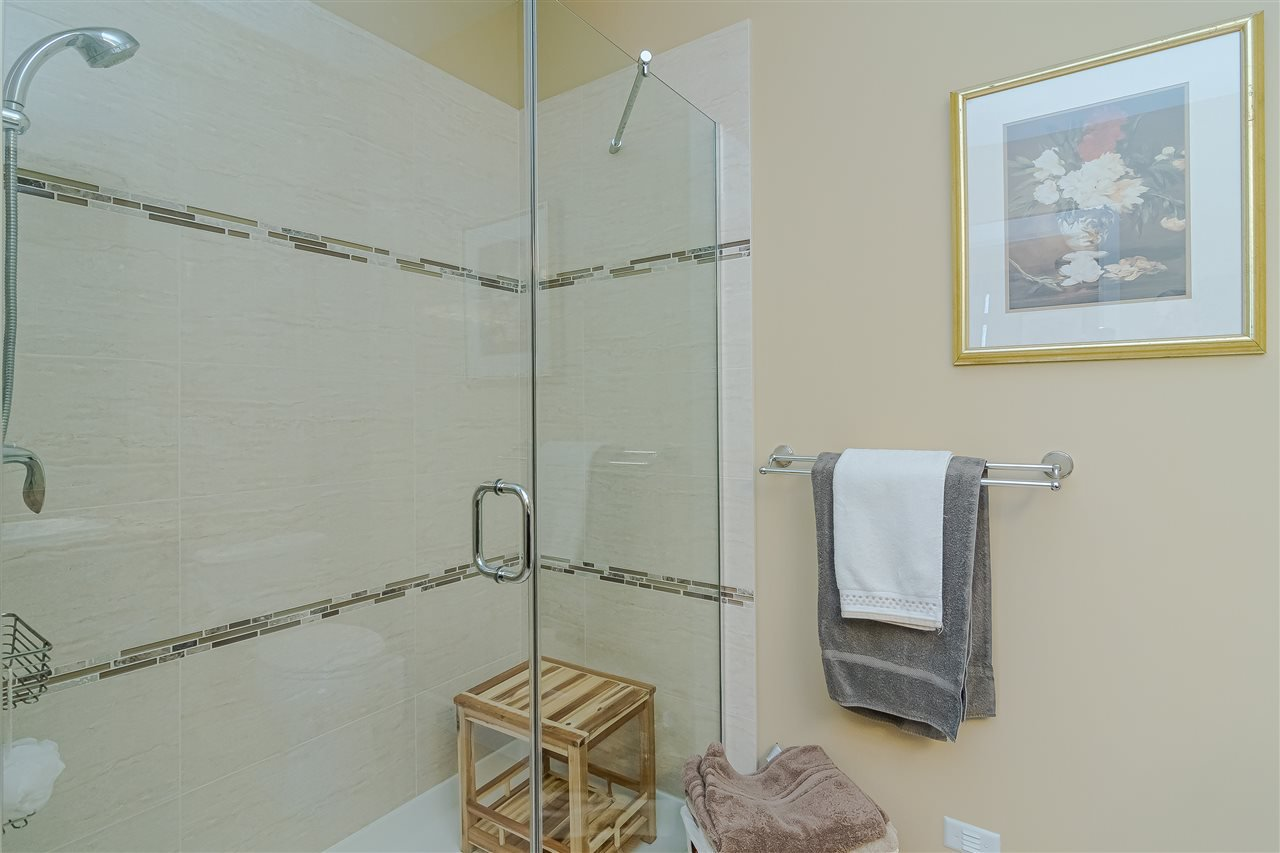 """Photo 17: Photos: 510 8258 207 A Street in Langley: Willoughby Heights Condo for sale in """"Yorkson"""" : MLS®# R2409634"""