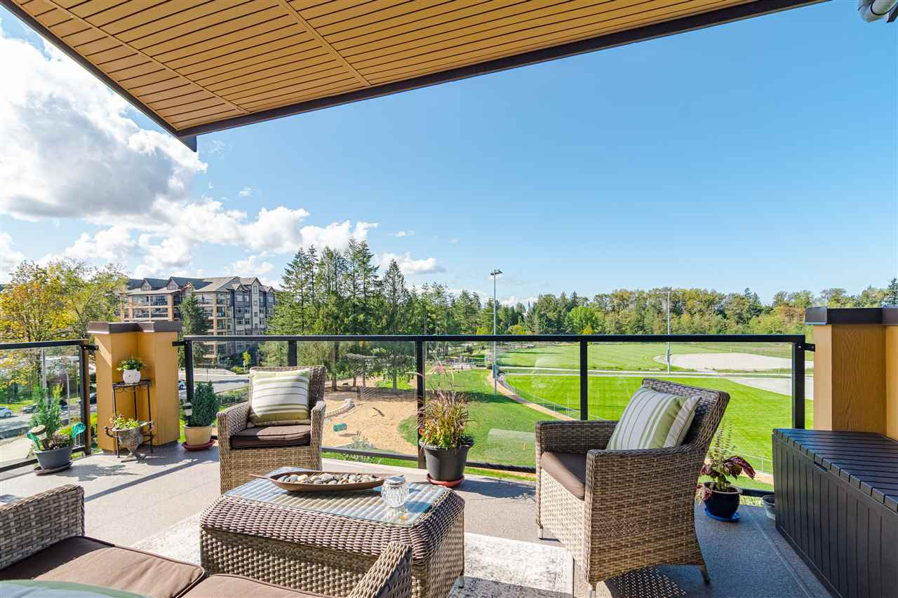 """Photo 2: Photos: 510 8258 207 A Street in Langley: Willoughby Heights Condo for sale in """"Yorkson"""" : MLS®# R2409634"""