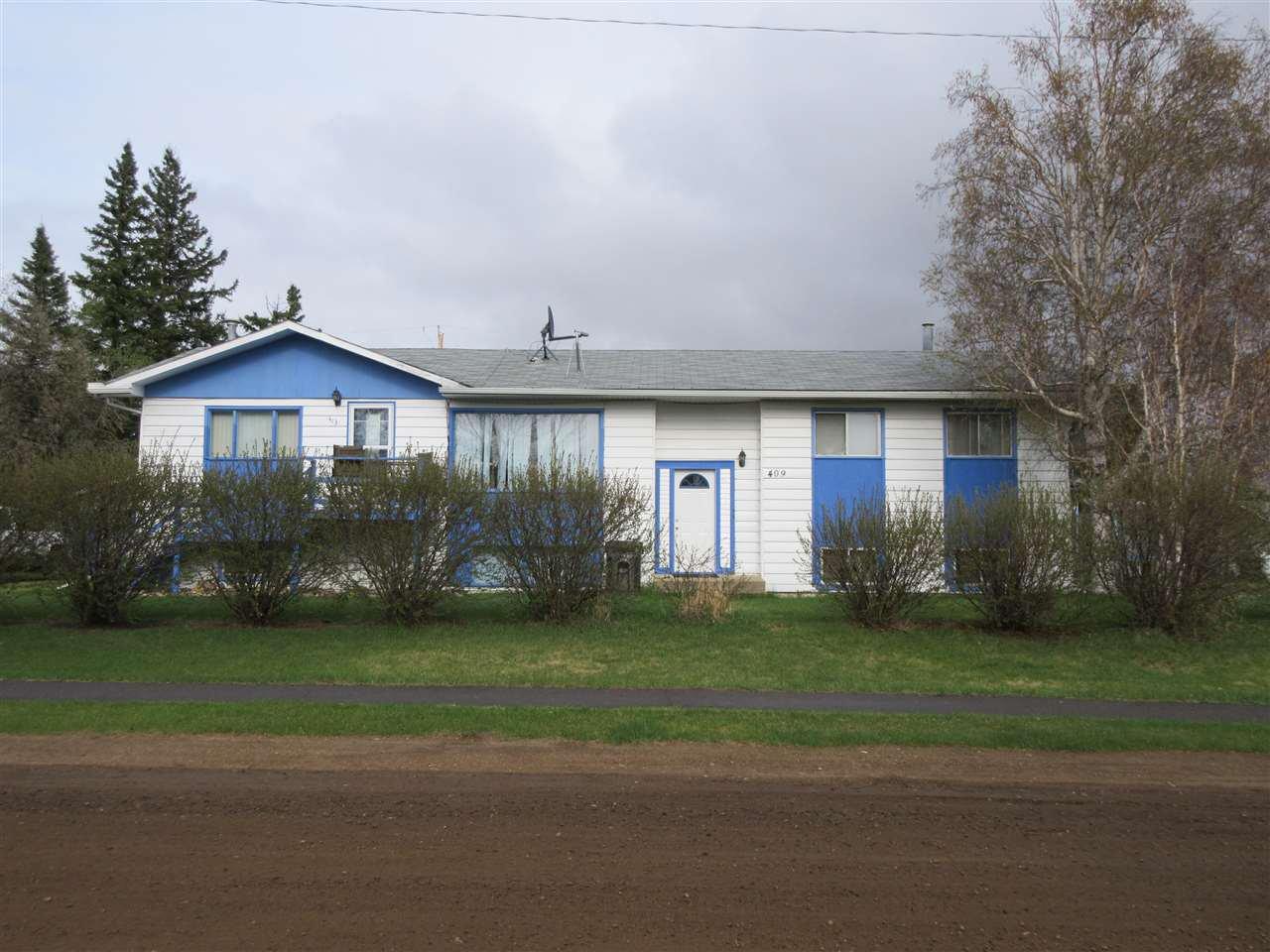 Main Photo: 409 6 Street: Thorhild House Triplex for sale : MLS®# E4180166