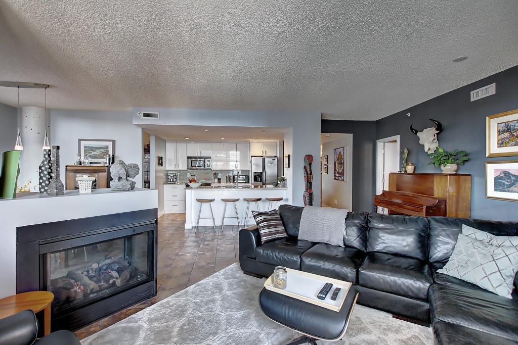 Main Photo: 701 10028 119 Street in Edmonton: Zone 12 Condo for sale : MLS®# E4183132