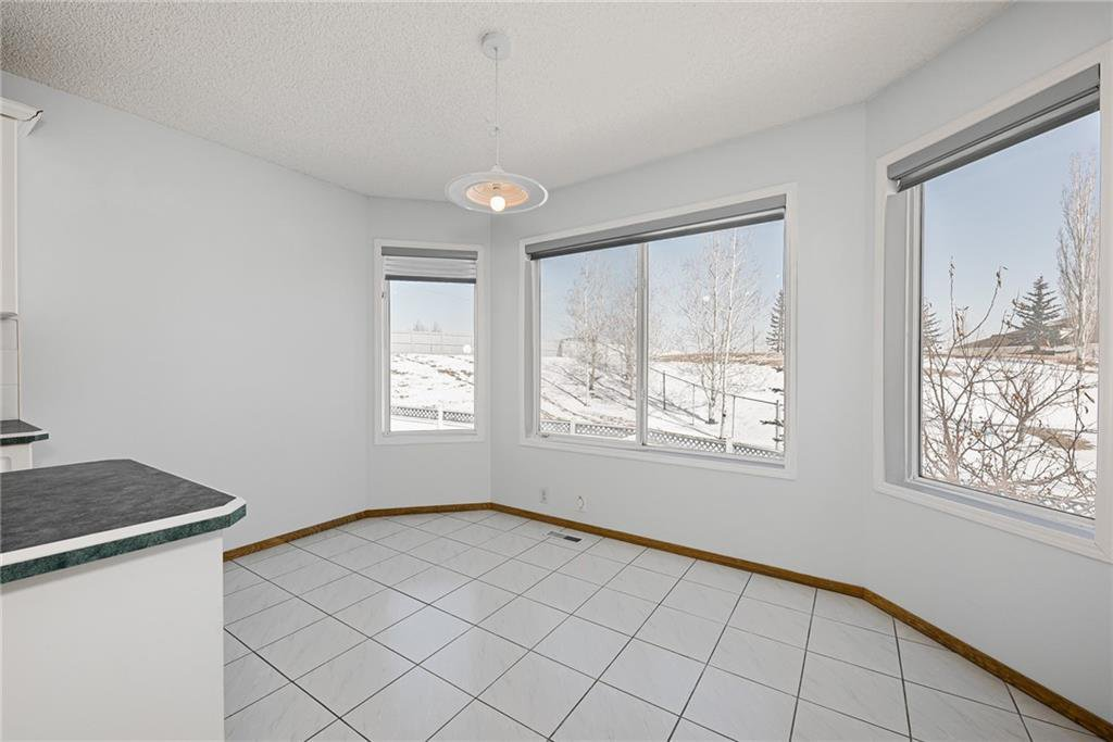 Photo 12: Photos: 242 SCOTIA Point NW in Calgary: Scenic Acres Detached for sale : MLS®# C4291912