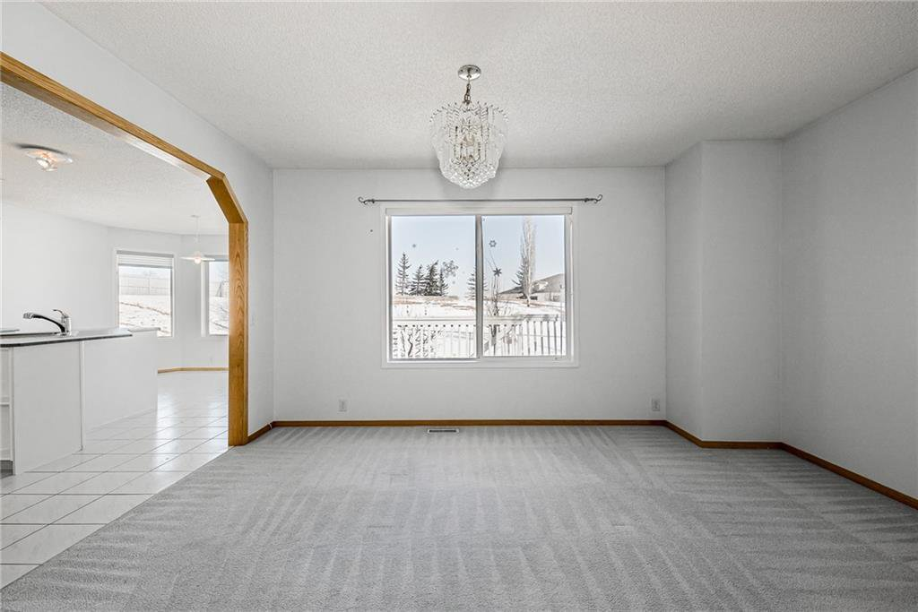 Photo 4: Photos: 242 SCOTIA Point NW in Calgary: Scenic Acres Detached for sale : MLS®# C4291912