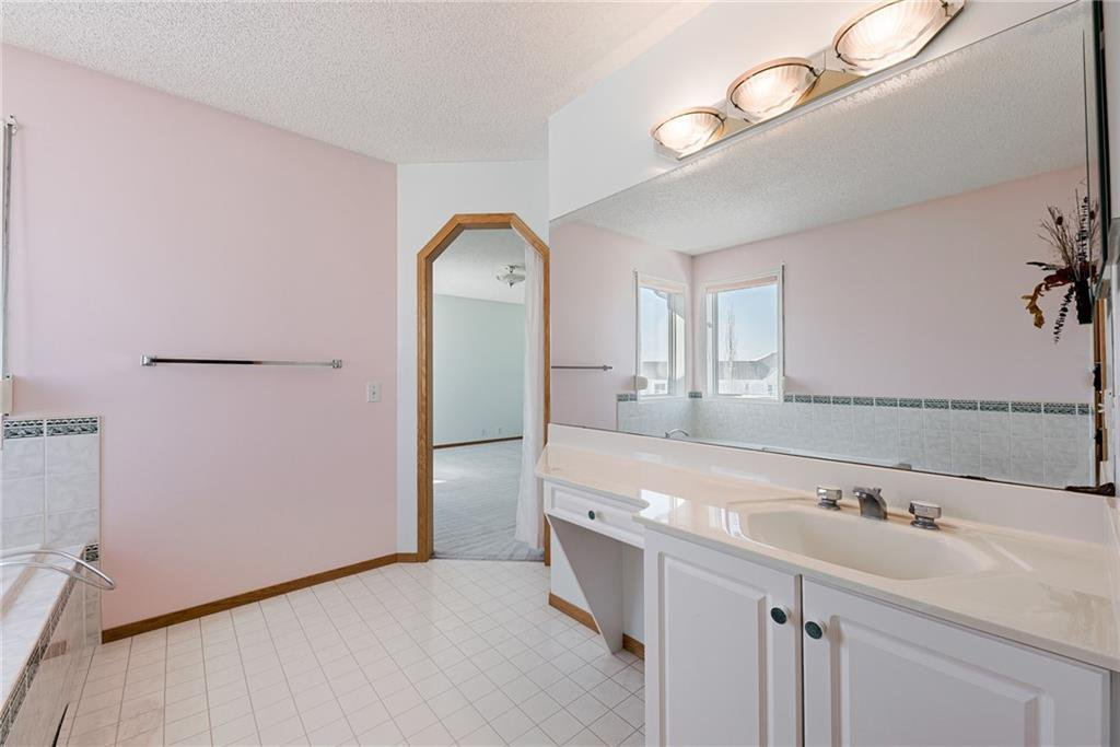 Photo 18: Photos: 242 SCOTIA Point NW in Calgary: Scenic Acres Detached for sale : MLS®# C4291912