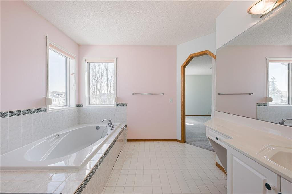 Photo 17: Photos: 242 SCOTIA Point NW in Calgary: Scenic Acres Detached for sale : MLS®# C4291912