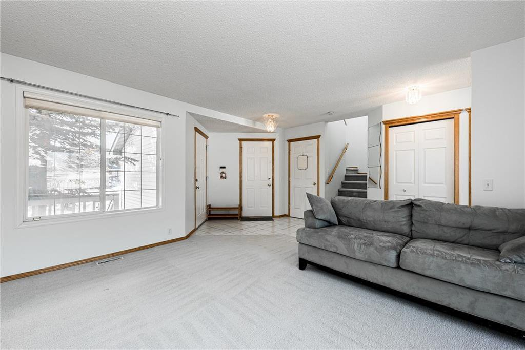 Photo 2: Photos: 242 SCOTIA Point NW in Calgary: Scenic Acres Detached for sale : MLS®# C4291912
