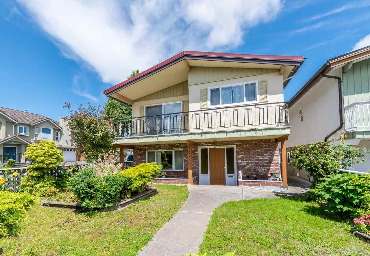 Main Photo: 4303 PANDORA Street in Burnaby: Vancouver Heights House for sale (Burnaby North)  : MLS®# R2470474