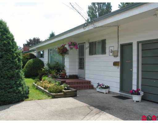 "Main Photo: 2039 MEADOWS Street in Abbotsford: Abbotsford West House for sale in ""Central Abbotsford"" : MLS®# F2626776"