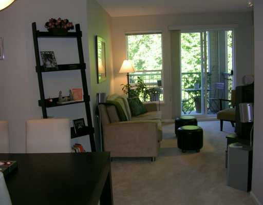 "Main Photo: 261 1100 E 29TH ST in North Vancouver: Lynn Valley Condo for sale in ""HIGHGATE"" : MLS®# V607291"
