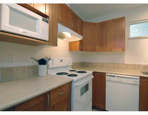 """Main Photo: 1 3140 W 4TH AV in Vancouver: Kitsilano Townhouse for sale in """"AVANTI"""" (Vancouver West)  : MLS®# V592145"""