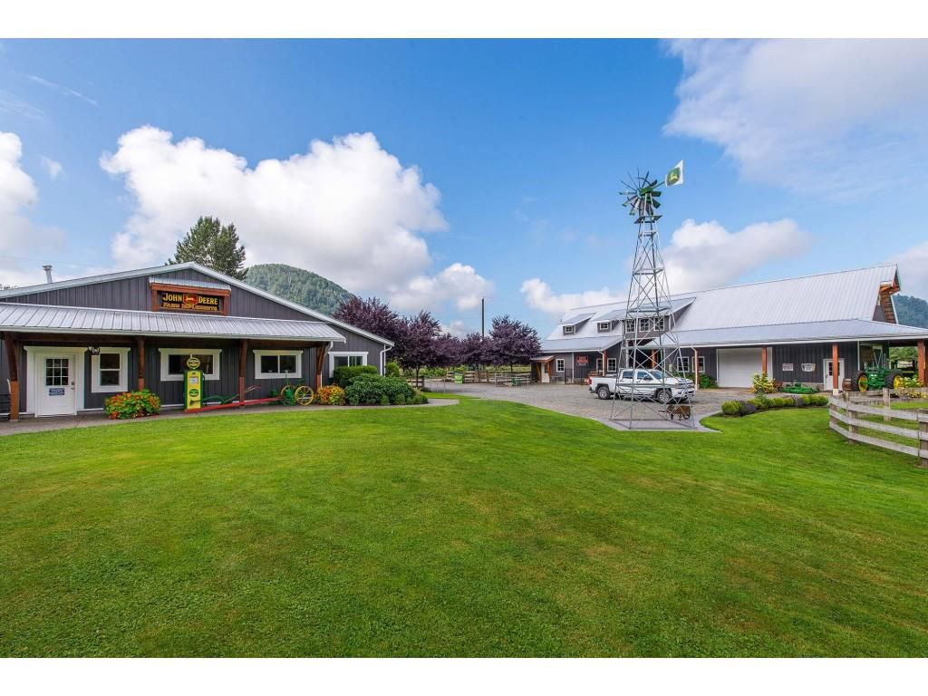 Main Photo: 6209 HOLLY Road: Agassiz House for sale : MLS®# R2388475