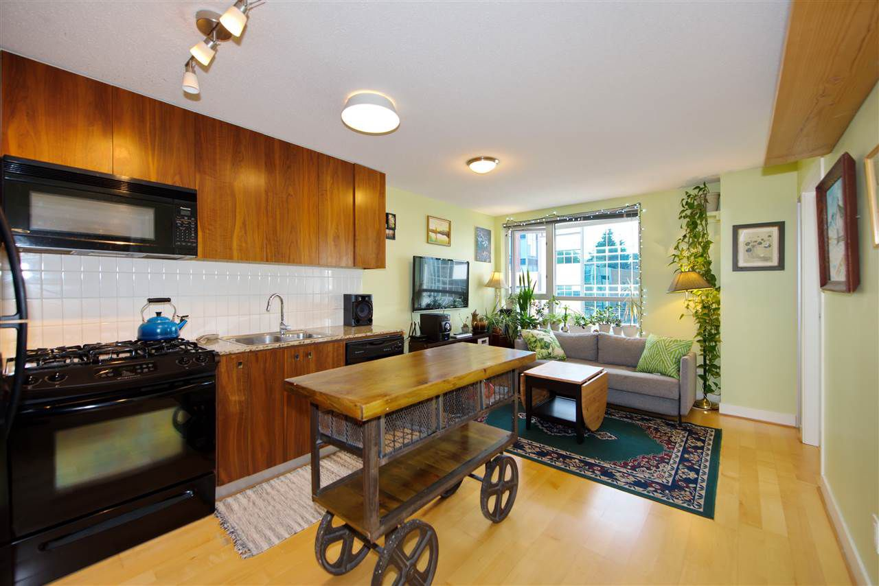 """Main Photo: 306 1030 W BROADWAY Street in Vancouver: Fairview VW Condo for sale in """"La Columa"""" (Vancouver West)  : MLS®# R2388638"""