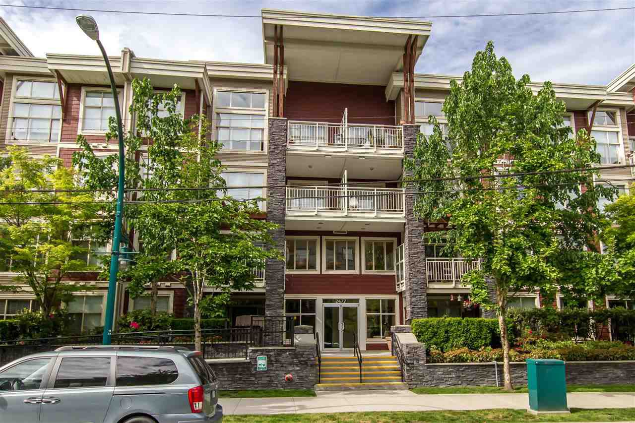"""Main Photo: 201 2477 KELLY Avenue in Port Coquitlam: Central Pt Coquitlam Condo for sale in """"South Verde"""" : MLS®# R2388749"""