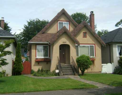 "Main Photo: 2651 CHARLES Street in Vancouver: Renfrew VE House for sale in ""RENFREW"" (Vancouver East)  : MLS®# V593525"