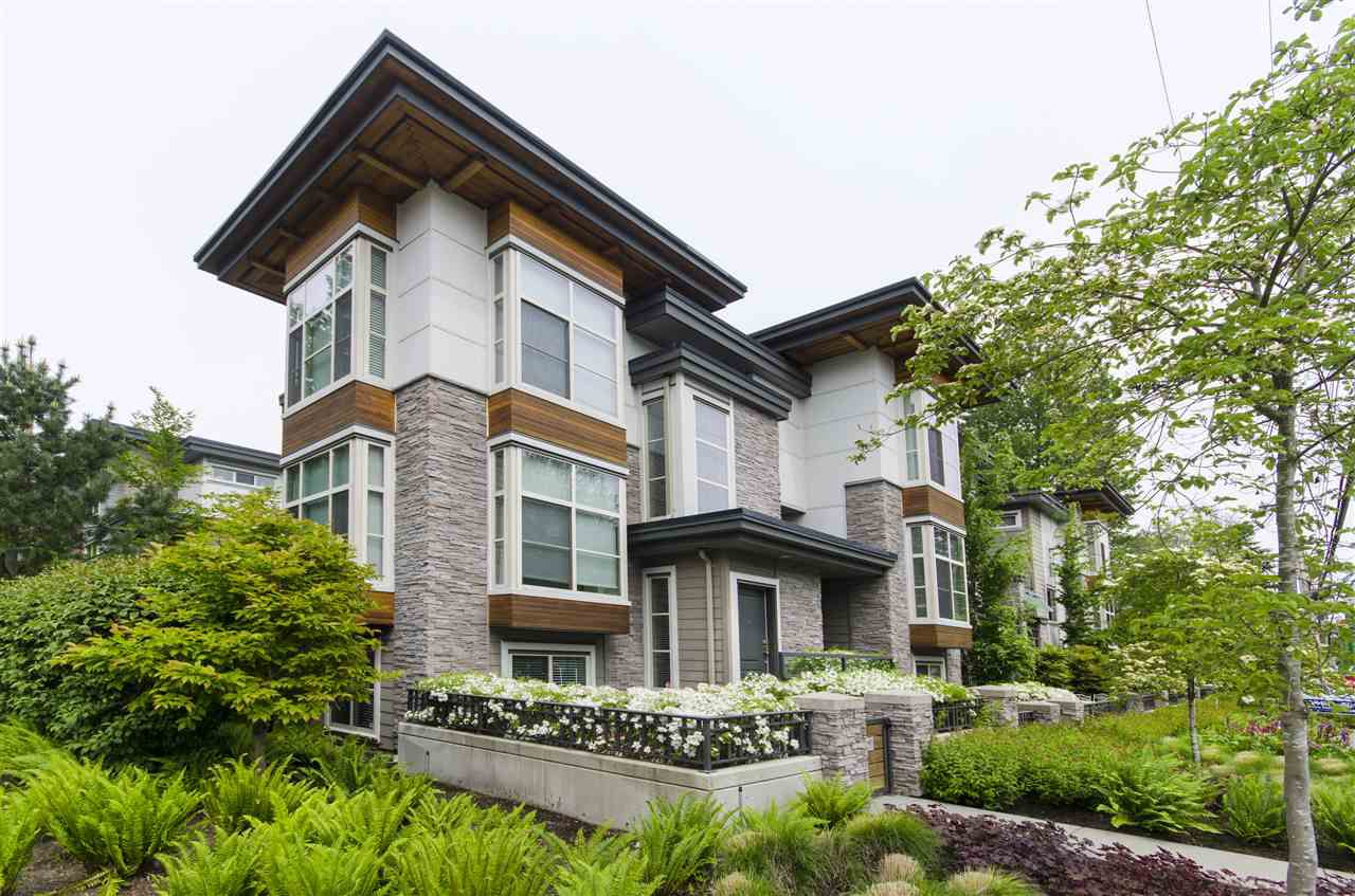 "Main Photo: 9 3025 BAIRD Road in North Vancouver: Lynn Valley Townhouse for sale in ""Vicinity"" : MLS®# R2387981"