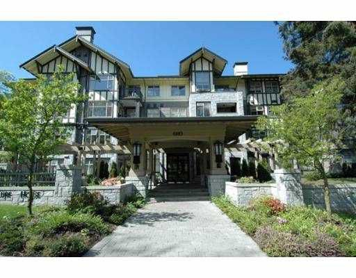 "Main Photo: 4885 VALLEY Drive in Vancouver: Quilchena Condo for sale in ""MACLURE HOUSE"" (Vancouver West)  : MLS®# V623241"