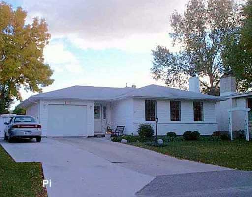 Main Photo: 197 ROCHESTER Avenue in Winnipeg: Fort Garry / Whyte Ridge / St Norbert Single Family Detached for sale (South Winnipeg)  : MLS®# 2515400