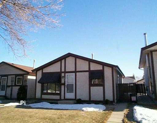 Main Photo: 53 LEATHERWOOD Crescent in Winnipeg: North Kildonan Single Family Detached for sale (North East Winnipeg)  : MLS®# 2604412