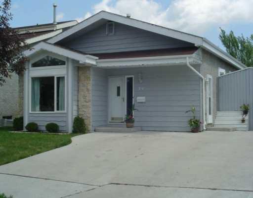 Main Photo: 59 MALMSBURY Avenue in Winnipeg: St Vital Single Family Detached for sale (South East Winnipeg)  : MLS®# 2610291