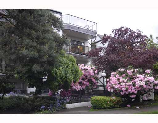"Main Photo: 309 2222 PRINCE EDWARD Street in Vancouver: Mount Pleasant VE Condo for sale in ""SUNRISE ON THE PARK"" (Vancouver East)  : MLS®# V709837"