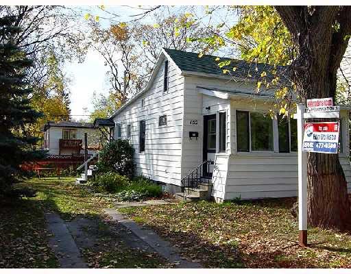 Main Photo: 152 FORREST Avenue in WINNIPEG: West Kildonan / Garden City Single Family Detached for sale (North West Winnipeg)  : MLS®# 2717477