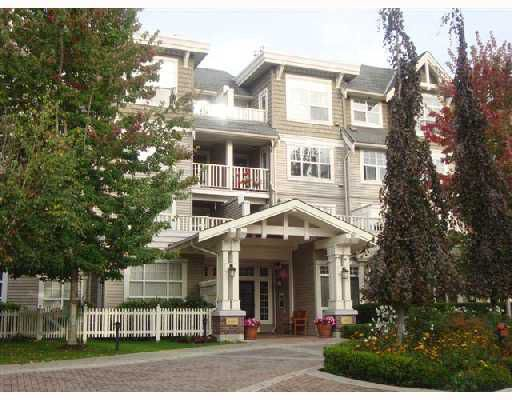 "Main Photo: # 105 960 LYNN VALLEY RD in North Vancouver: Lynn Valley Condo for sale in ""BALMORAL HOUSE"" : MLS®# V738029"