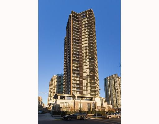 "Main Photo: 3001 583 BEACH Crescent in Vancouver: False Creek North Condo for sale in ""TWO PARKWEST"" (Vancouver West)  : MLS®# V665613"