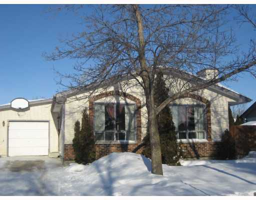 Main Photo: 23 LAKEPOINTE Road in WINNIPEG: Fort Garry / Whyte Ridge / St Norbert Residential for sale (South Winnipeg)  : MLS®# 2800755