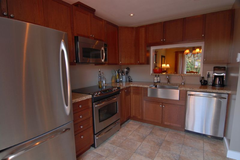 Main Photo: 1785 Rufus Drive in North Vancouver: Lynn Valley House 1/2 Duplex for sale : MLS®# v690998