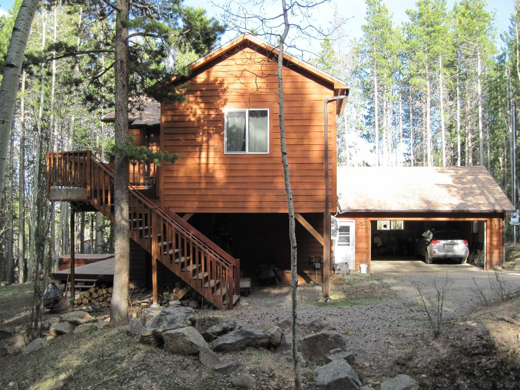 Main Photo: 239 Apache Road in Evergreen: Residential Detached for sale : MLS®# 925135