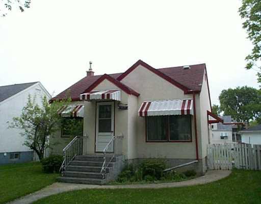Main Photo: 383 RUPERTSLAND Avenue in Winnipeg: West Kildonan / Garden City Single Family Detached for sale (North West Winnipeg)  : MLS®# 2508257