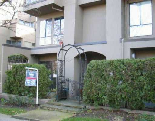"Main Photo: 1070 W 7TH Ave in Vancouver: Fairview VW Condo for sale in ""FALSE CREEK TERRACE"" (Vancouver West)  : MLS®# V518073"