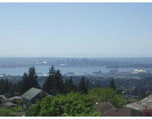 Main Photo: 4063 ST GEORGES AV in North Vancouver: Upper Lonsdale House for sale : MLS®# V605031