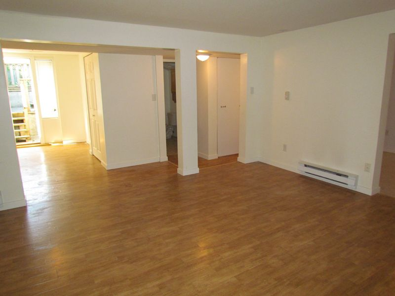 Main Photo: 2581 MINTER ST in ABBOTSFORD: Central Abbotsford Condo for rent (Abbotsford)