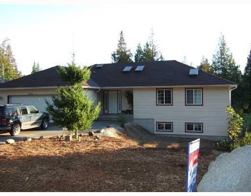 Main Photo: 7904 REDROOFFS Road in Halfmoon_Bay: Halfmn Bay Secret Cv Redroofs House for sale (Sunshine Coast)  : MLS®# V668111