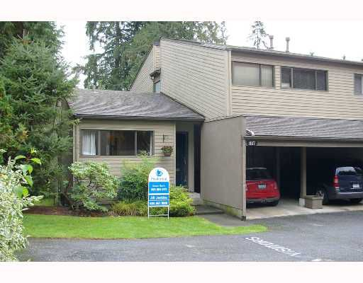 """Main Photo: 887 HERITAGE Boulevard in North_Vancouver: Seymour Townhouse for sale in """"HERITAGE IN THE WOODS"""" (North Vancouver)  : MLS®# V671788"""