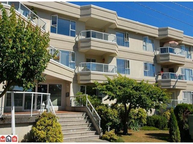 Main Photo: 207 - 1378 George: White Rock Condo for sale (FVREB Out of Town)  : MLS®# F1023435