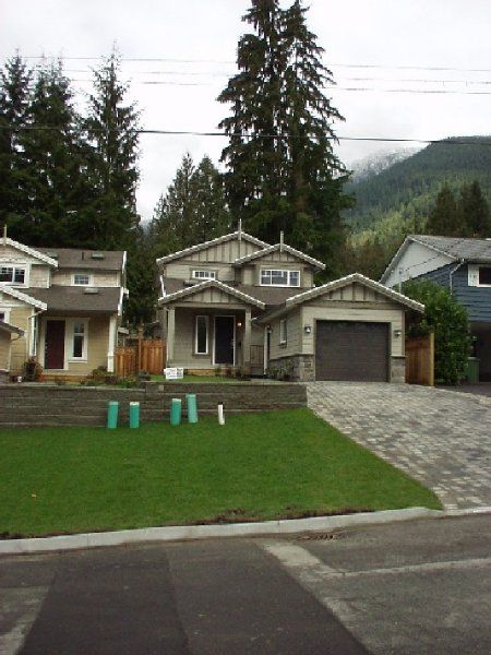 Main Photo: 930 Canyon Blvd.: House for sale (Lynn Valley)  : MLS®# 310 119