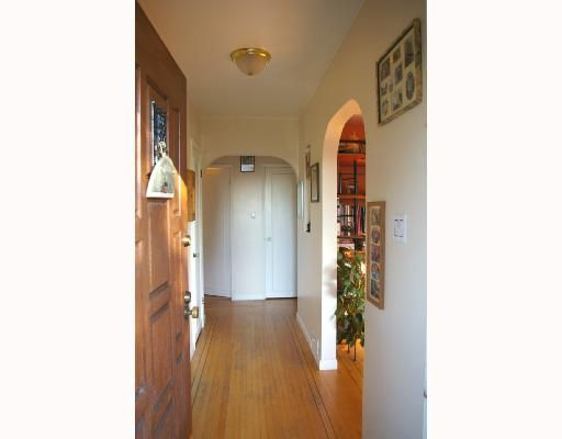 Photo 9: Photos: 432 Lyon Pl in North Vancouver: Central Lonsdale House for sale : MLS®# v684860