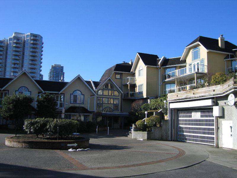 """Main Photo: 503 25 RICHMOND Street in New_Westminster: Fraserview NW Condo for sale in """"Fraserview"""" (New Westminster)  : MLS®# V688744"""