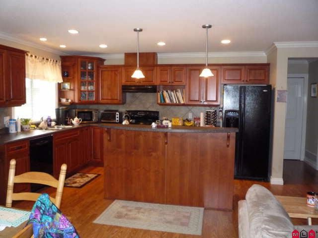 Main Photo: 22 46000 THOMAS ROAD in Chilliwack: Condo