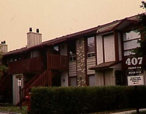 Main Photo: 10 407 OAKDALE Drive in WINNIPEG: Charleswood Condominium for sale (South Winnipeg)  : MLS®# 2518308