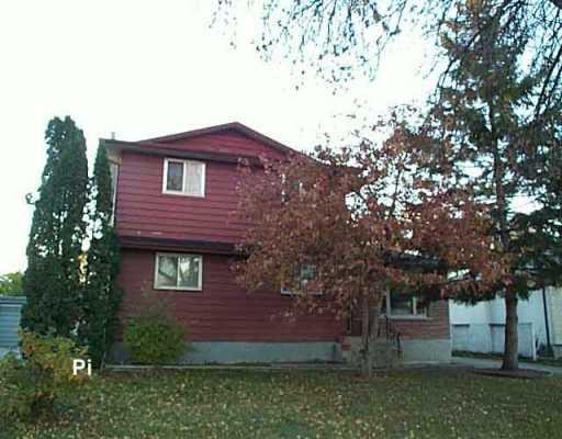 Main Photo: 1119 DE FEHR Street in Winnipeg: North Kildonan Single Family Detached for sale (North East Winnipeg)  : MLS®# 2516738