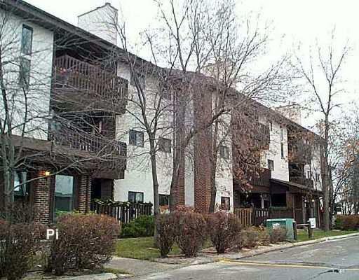 Main Photo: 105 24 NOVAVISTA Drive in WINNIPEG: St Vital Condominium for sale (South East Winnipeg)  : MLS®# 2517690