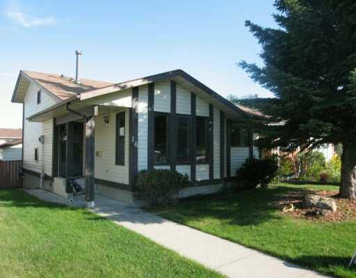 Main Photo:  in CALGARY: Shawnessy Residential Detached Single Family for sale (Calgary)  : MLS®# C3297473