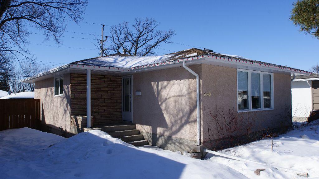 Main Photo: 650 Greene Avenue in Winnipeg: Residential for sale