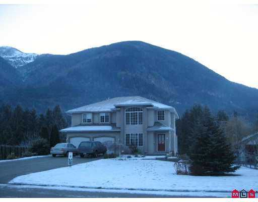 """Main Photo: 49024 RIVERBEND Drive in Sardis: Chilliwack River Valley House for sale in """"RIVERBEND ESTATES"""" : MLS®# H2700198"""