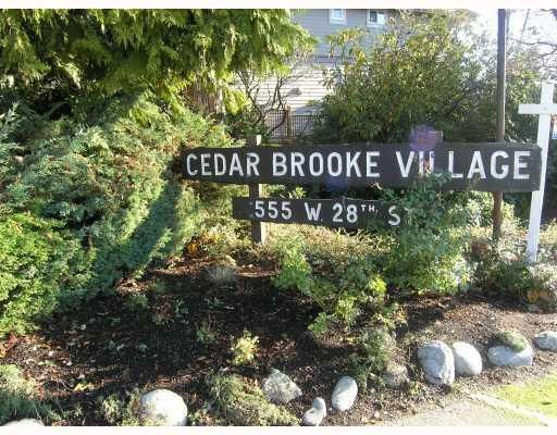 Main Photo: 307-555 West 28th Street in North Vancouver: Upper Lonsdale Condo for sale : MLS®# V801012