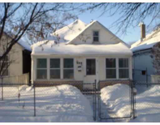 Main Photo: 352 ROSEBERRY Street in WINNIPEG: St James Residential for sale (West Winnipeg)  : MLS®# 2800443